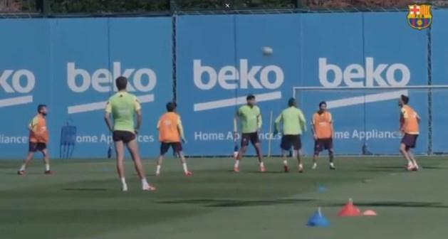 Messi en co tikken twee ploegmaats helemaal gek tijdens 'rondo'