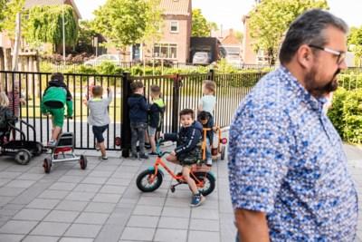 Bijna iedereen onder de twaalf weer naar school: hoe doet Nederland dat?