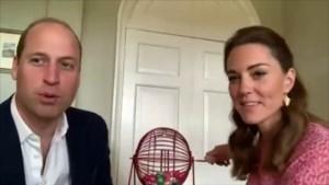 Prins William en Kate spelen spelletje bingo met rusthuisbewoners