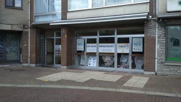 Fietsbieb heropent op nieuw adres aan Marktplein in Neerpelt