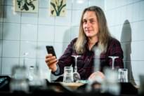 """Met Limburgse app Bar-e""""geen gedoe meer met menukaarten, betaalterminals en kaarten"""""""