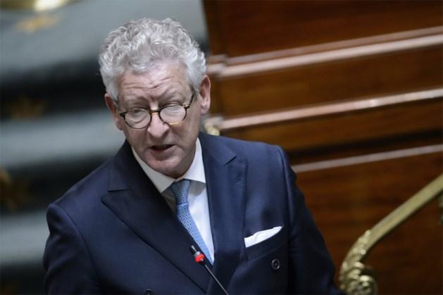 Minister De Crem fluit burgemeesters die te strenge coronarestricties oplegden terug