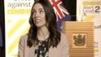 Premier Nieuw-Zeeland praat rustig verder terwijl aardbeving tv-studio door elkaar schudt