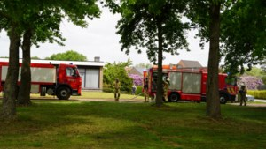 Brandweer rukt uit voor brandende mesthoop