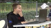Beringse school geeft les in open lucht