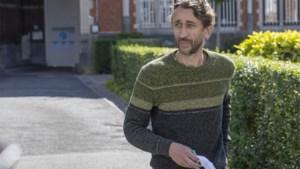 Van Themsche wil buiten gevangenis werken: parket geeft negatief advies, zitting uitgesteld
