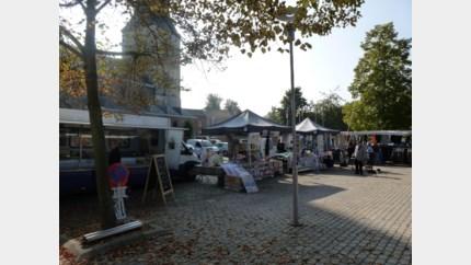 Stroopfabriek, papierophaling en dinsdagmarkt weer opgestart