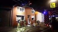 Huis van groot gezin onbewoonbaar na zware brand: drie honden dood