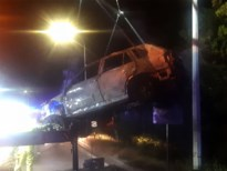 BMW X5 brandt helemaal uit langs E314 in Houthalen