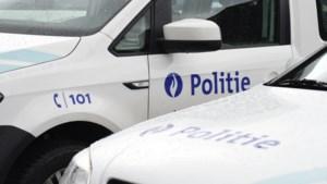 16-jarige Maasmechelaar rijdt met bromfiets tegen agent aan in Dilsen