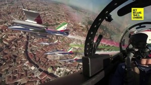 Een wel heel bijzonder luchtspektakel door de Italiaanse luchtmacht