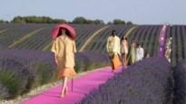 Modeontwerper Jacquemus kiest voor eigen grootmoeder als model