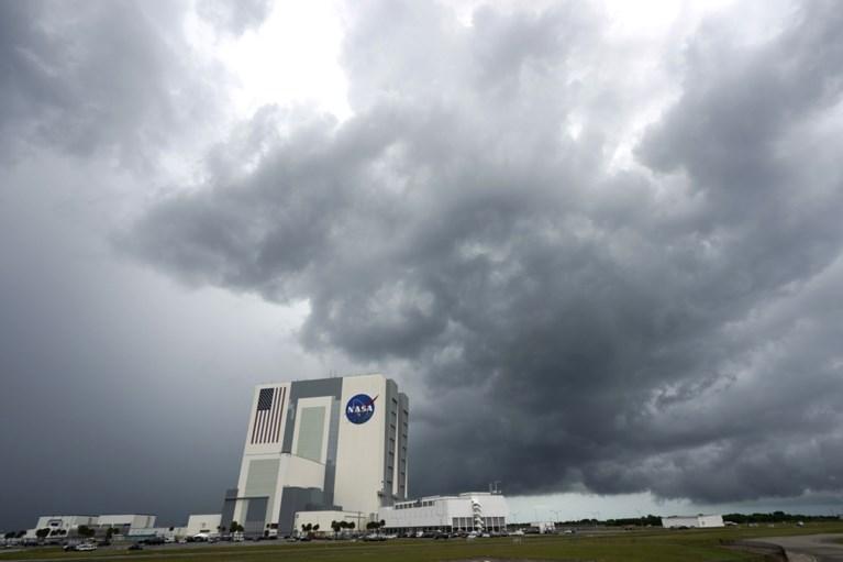 Timelapse toont waarom eerste commerciële ruimtevlucht met SpaceX werd uitgesteld