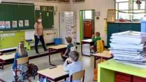 """Vakbonden reageren boos: """"Veiligheid van leerkrachten op het spel gezet"""""""