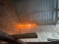 Sigarettenpeuken veroorzaken dakbrand op garagebox