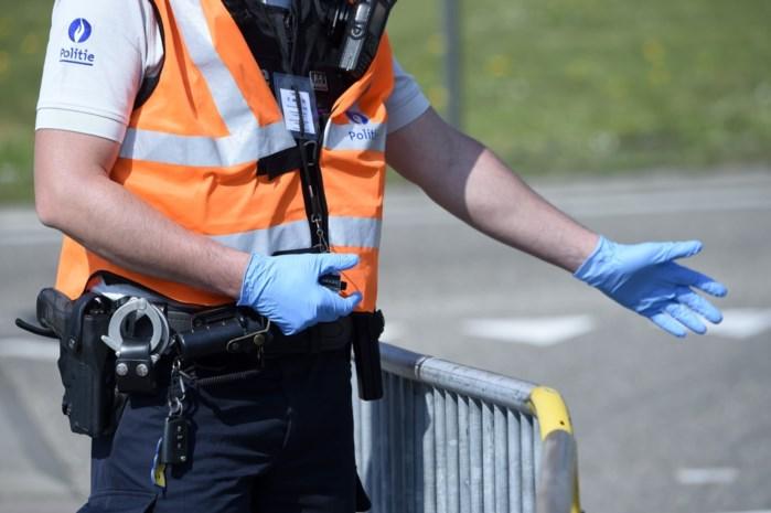 Twee coronaspuwers aangehouden in Antwerpen en Mechelen