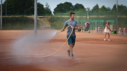 Dreigend watertekort bezorgt tennisclubs nieuwe kopzorgen