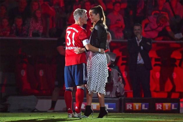 """Ana Ivanovic dicht manlief Bastian Schweinsteiger """"geweldige trainerscarrière"""" toe: """"Hij heeft er de passie voor"""""""