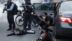Rellen in de VS escaleren: president schuilt én gooit olie op het vuur