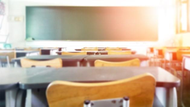 Middelbare scholen in Nederland weer open na wekenlange sluiting