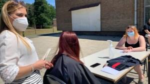 Jongeren van opvangcentrum Bethanië krijgen een gratis kapbeurt