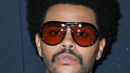 The Weeknd 'vraagt 't aan' en evenaart Ultratoprecord van de Fixkes