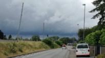 Pyloon aan spoorweg Neerpelt helt naar weg