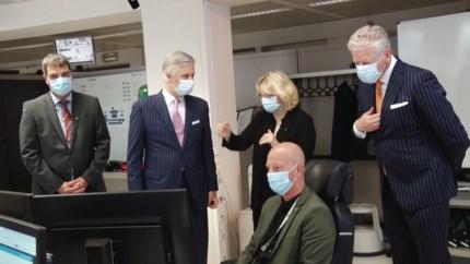 """""""Tweeling"""" De Crem en Filip: Koning en minister verschijnen toevallig in dezelfde outfit"""