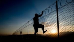 Twee neven ontsnappen uit Italiaanse gevangenis, maar beloven in briefje terug te keren