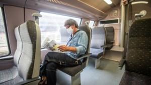 """Reizigers openbaar vervoer zijn mondmaskers beu: """"Niet aangenaam"""""""