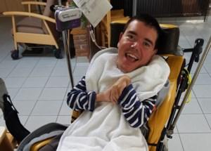 Erwin (38) overlijdt nadat zorgkundige hem in gloeiend heet bad zet