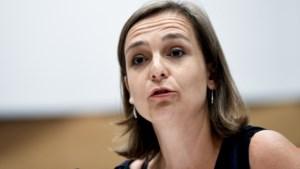 """Barbara Pas (Vlaams Belang): """"De Vlaming hoeft zich geen schuldgevoel aangepraat worden over racisme"""""""
