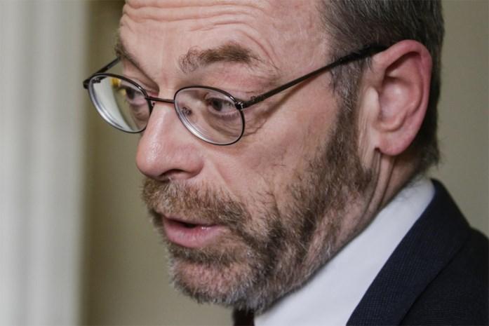 Peter De Roover (N-VA) wil dat premier Wilmès met ministers-presidenten Jambon en Di Rupo de kar trekt voor regeringsvorming