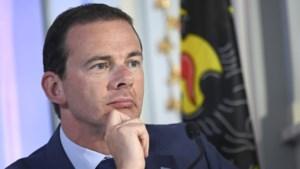 Vlaamse regering zet licht op groen: komt er dan toch een app voor contactopsporing?
