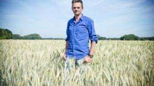 Lieven Van Gils presenteert deze zomer boekenprogramma op Radio 1