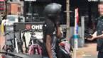 Betrapte winkeldieven slaan in Lommel met helm op omstaanders bij vlucht
