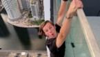 Deze waaghalzen riskeren hun leven op de 53ste verdieping van een flatgebouw