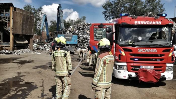 Schroothoop vliegt in brand bij metaalverwerker in Lommel