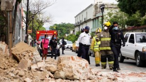 Zware aardbeving treft Mexico: tsunami-alarm afgekondigd