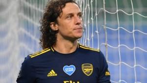 David Luiz leek na blunders en openhartig interview op weg naar de exit bij Arsenal, maar tekent dan toch bij