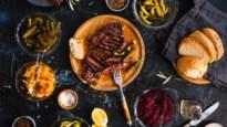 Tomatensalsa in plaats van mayonaise en geen worst, maar kip: zo hou je de barbecue gezond