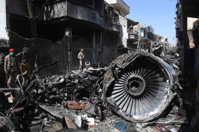 Pakistan Airlines schorst 150 piloten met mogelijk valse licentie na dodelijke crash