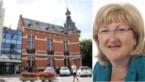 """Voorzitster neemt ontslag na racistische uitspraak in online gemeenteraad: """"Alle vreemden weg"""""""