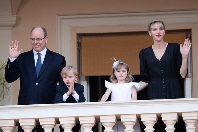 ROYALS. Donderwolken boven Harry en Meghan en tweeling van Monaco komt nog eens piepen