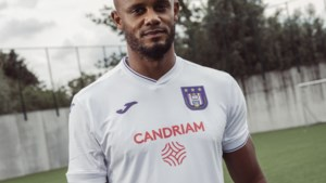 """Anderlecht erkent """"foutje"""" op nieuwe shirts, maar die worden niet meer aangepast"""