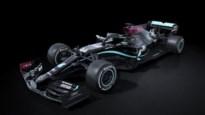 Mercedes in zwarte auto als protest tegen racisme