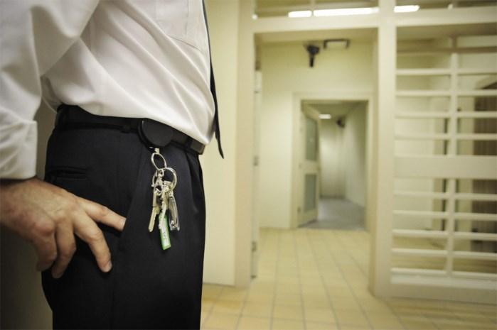 """Vorig jaar 22 gevangenismedewerkers ontslagen wegens """"ongeoorloofde praktijken"""""""