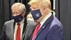 """Trump laat zich voor het eerst zien met een masker: """"Ik lijk wat op <I>the lone ranger""""</I>"""