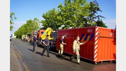 Bedrijventerrein geëvacueerd na lek in vat met chemische gevaarlijke stof