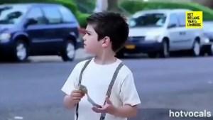 Kinderen krijgen geld om ijsje te kopen, maar zien dan dakloze man zitten: hun reactie zal je verbazen